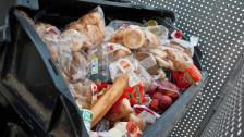 Audio «Bedürftige sollen einfacher an unverkaufte Sandwiches kommen» abspielen.