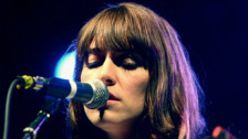 Audio «Leslie Feist: Ihr fünftes Album klingt abgespeckt, spontan und sehr persönlich» abspielen