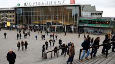 Audio «Offene Fragen nach sexuellen Übergriffen in Köln» abspielen