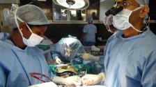 Audio «Herzoperationen am fliessenden Band in indischer Klinik» abspielen