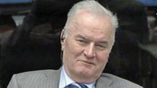 Audio «Ratko Mladic verteidigt sich vor dem Jugoslawien-Tribunal» abspielen