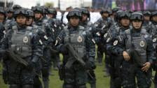 Audio «Mexiko: 5000 neue Polizisten gegen Drogenbarone» abspielen