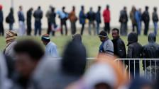 Audio «Katz-und-Maus-Spiel in Calais» abspielen
