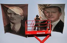 Audio «Erdogan will Neuwahlen und die absolute Macht» abspielen