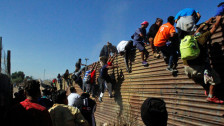 Audio «Lage an US-mexikanischer Grenze spitzt sich zu» abspielen
