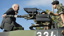 Audio «Die neue Schweizer Armee mit Geburtswehen» abspielen