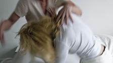 Audio «Häusliche Gewalt verursacht Kosten in Millionenhöhe» abspielen