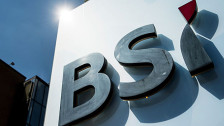 Audio «Schweizer Privatbanken - zusammen ist man weniger allein» abspielen