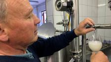 Audio «Das Winzerjahr im Mai: Der Weisswein wird filtriert» abspielen