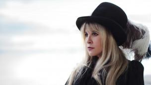 Laschar ir audio «Stevie Nicks: «Stop draggin' my heart around»».