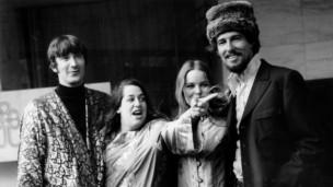 Laschar ir audio «The Mamas and the Papas: «California Dreamin'»».