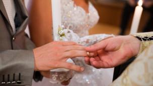 Audio «Hat die traditionelle Ehe ausgedient?» abspielen.