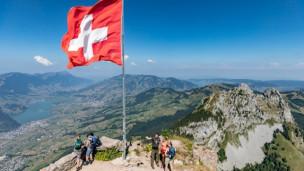 Audio «Viel erleben für wenig Geld in der Schweiz» abspielen.