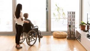 Audio «Pflegende Angehörige brauchen jetzt Hilfe» abspielen.