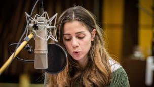 Audio «Teil 1: «Ellbogen» von Fatma Aydemir» abspielen.