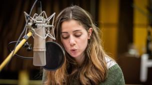 Audio «Teil 2: «Ellbogen» von Fatma Aydemir» abspielen.
