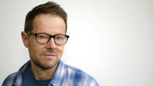 Audio «Bänz Friedli mit seinen CH-Lieblingssongs im Studio» abspielen.