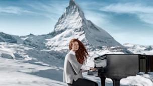 Audio «Neue Songs von Debrah Scarlett und Sensu» abspielen.