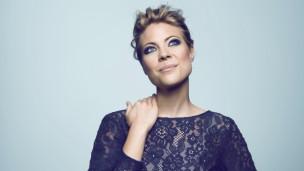 Audio «Geschenk der Woche: Jaëls Brautkleid» abspielen.