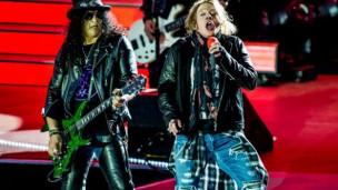 Audio «Slash outet sich als Fan und trägt T-Shirt von Zeal & Ardor» abspielen.