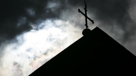 Laschar ir audio «Abus e violenza en la Baselgia catolica».