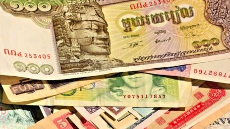 Audio «Was tun mit fremden Währungen und alten Banknoten?» abspielen.