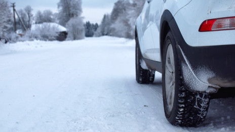 Audio «Mit dem Auto sicher unterwegs in die Skiferien» abspielen.
