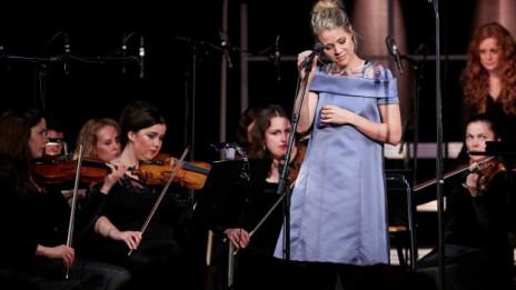 Audio «Jaëls Best Of im Orchestergewand» abspielen.