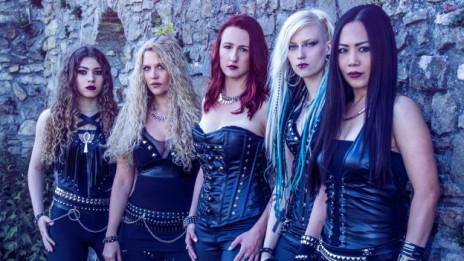 Audio «Burning Witches: Heavy Metal-Walpurgisnacht» abspielen.