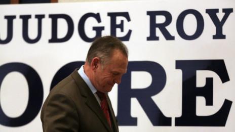 Audio «Die Konsequenzen der Niederlage von Roy Moore in Alabama» abspielen.