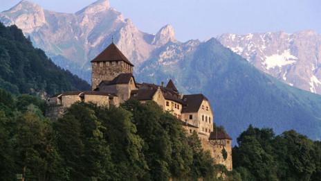 Audio «Stiftungen Folge 7: Wird Liechtenstein zum Vorzeigestandort?» abspielen.