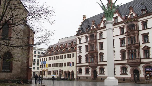 Der Nikolaikirchhof, Ausgangspunkt der Montagsdemonstrationen in Leipzig.