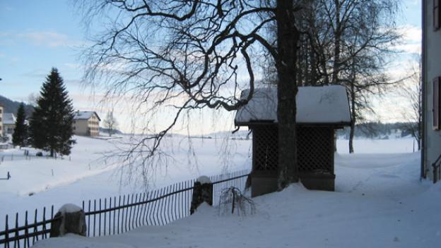 La Brévine tief verschneit.