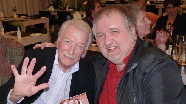 v.l.n.r. James Last mit Peter Gertsch nach einem Konzert in Moskau.
