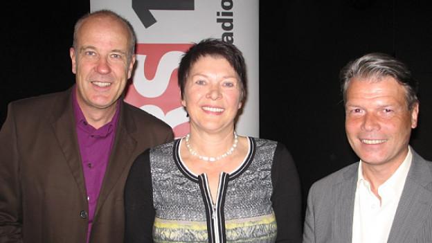 Daniel Hitzig (l.) mit seinen beiden Gästen Martha Bühler und Michael Gattenhof.
