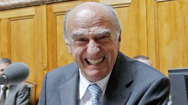 Sorgte mit seinem «Bü... Bü... Bündnerfleisch» für viele Lacher: Bundesrat Hans-Rudolf Merz.