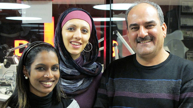 Karniga Puvaneswaran-Balakumar, Nuran Serifi und Kamaran Kamil im DRS 1-Studio (v.l.).