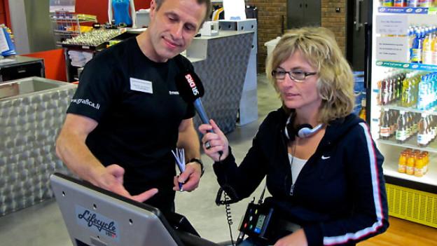 Fitnesstrainer Andreas Krummenacher mit Ladina Spiess.