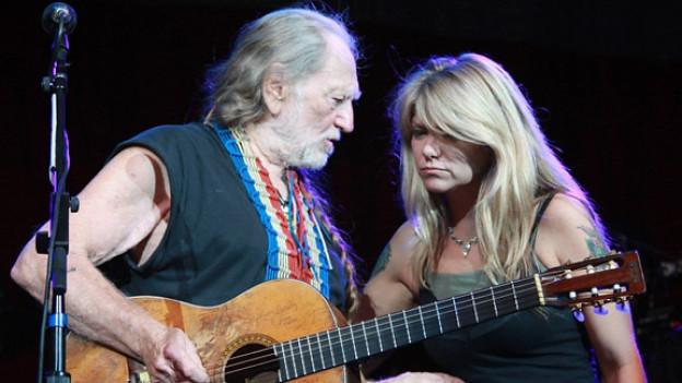 Willie Nelson mit Tochter Paula.