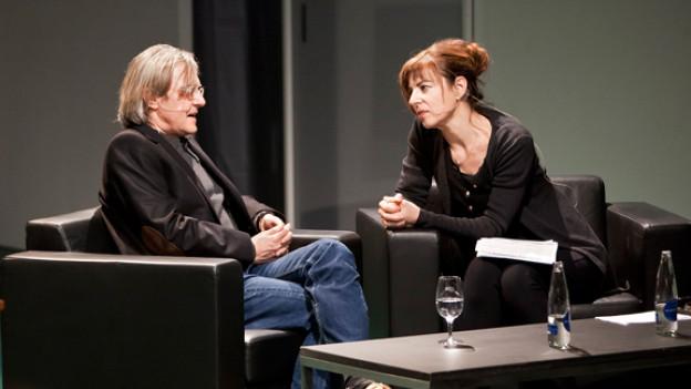Der österreichische Autor Erich Hackl und Esther Schneider, Redaktionsleiterin Literatur bei SRF.