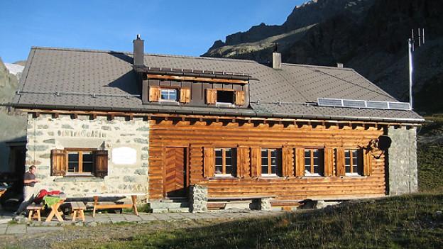 Jenatschhütte des Schweizerischen Alpenclubs (SAC), auf 2652 m, Graubünden.