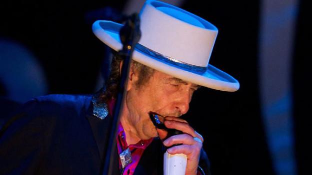 Seit 23 Jahren auf der «Never ending Tour», tritt Bob Dylan im April 2011 zum ersten Mal in Vietnam auf.
