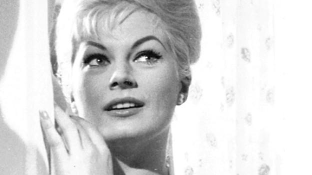 Die schwedische Schauspielerin Anita Ekberg in einer Filmszene im Jahre 1960.