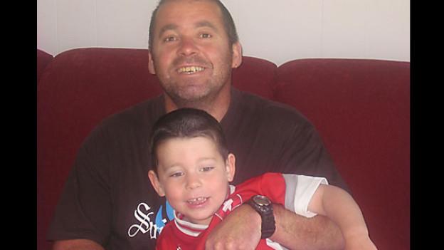 Florian Belz mit seinem Sohn Leo.