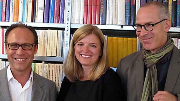 DRS 1-Gastgeber Christian Zeugin, Gabriella Baumann-von Arx und Peter Pfrunder.