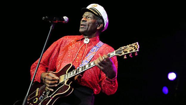 Chuck Berry während eines Konzerts in Zürich, November 2008.