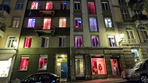 Prostituierte bieten sich an im Niederdorf in Zürich, 2011.