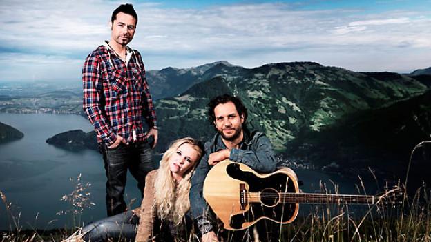 Rickenbacher, Kisha und Reto Burrell.