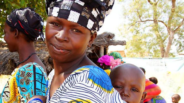 Die Armut zwingt in Mali viele Frauen zur Prostitution. Ihre Kinder leben mit ihren Müttern in Hinterhofbordellen.