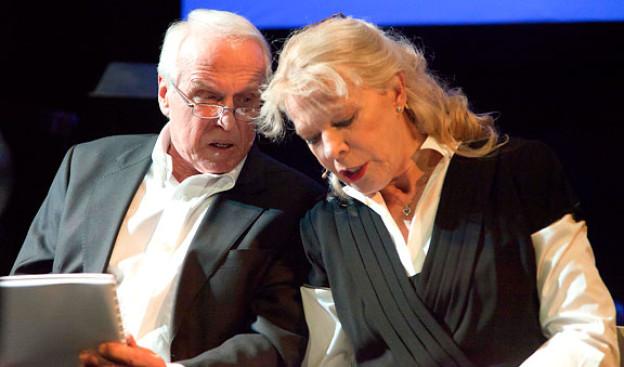 Birgit Steinegger und Walter Andreas Müller während einer Live-Lesung.